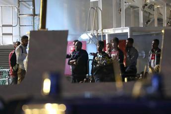 Oltre 200 migranti sbarcano a Pozzallo