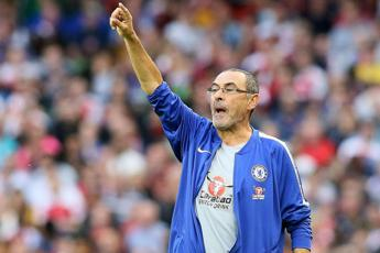 Premier League, Sarri resta in vetta