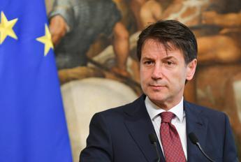 Conte: Stop accoglienza indiscriminata