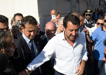 Salvini all'Hotel House: Qui servono le ruspe