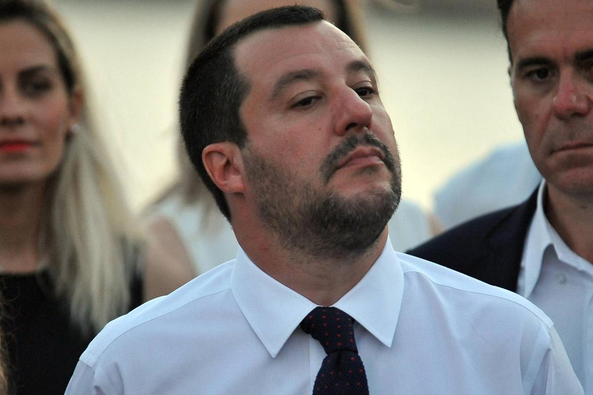 """Salvini: """"Denunce per odio razziale? Per me sono medaglie"""""""