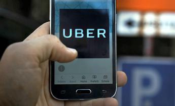 Uber punta su scooter e bici elettriche
