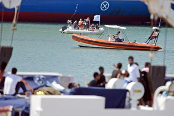 Rescued migrants won't be allowed ashore in Sicily - govt source