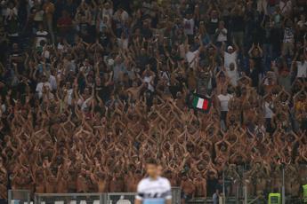 Ultrà Lazio choc: Donne da fila 10 in poi