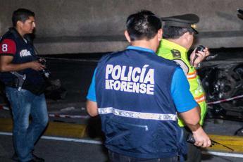 Si schianta pullman di tifosi: 12 morti in Ecuador