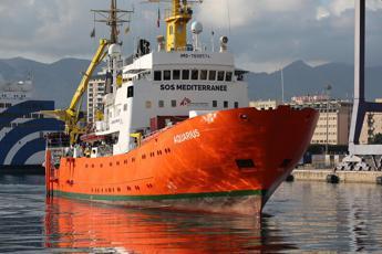 Aquarius senza porto, appello ai governi Ue