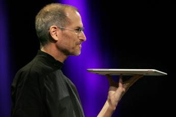 Vi racconto chi era mio padre, parla la figlia di Steve Jobs