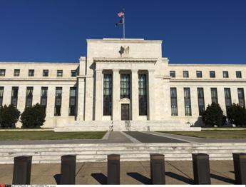 Fed lascia tassi invariati