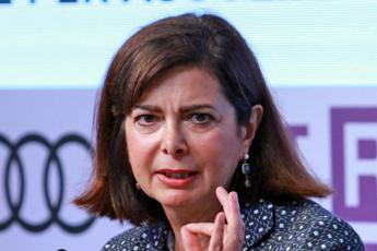 Passeggero Alitalia: Boldrini al posto di un disabile. Lei: fake news
