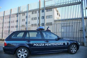 Coronavirus, polizia penitenziaria: No amnistia ma istituzioni intervengano