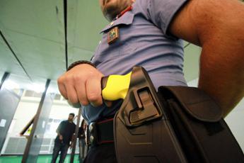 Taser alle forze dell'ordine, parte la sperimentazione in dodici città