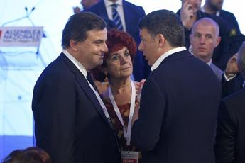 Polo 'anti' Emiliano in Puglia, ok Calenda e +Europa a Renzi
