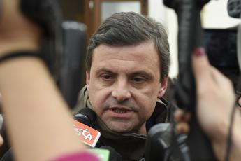 Calenda: Al Pd serve uno psichiatra