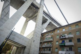 Ponte Morandi, Castellucci deposita memoria ai pm