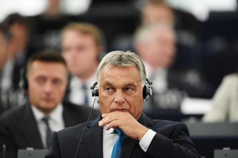 Orban lauds 'courageous Italy on migration