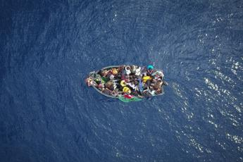 Boat with 15 Tunisians aboard 'adrift in Maltese waters'