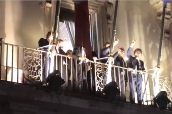 Di Maio rompe tabù del 'balcone'