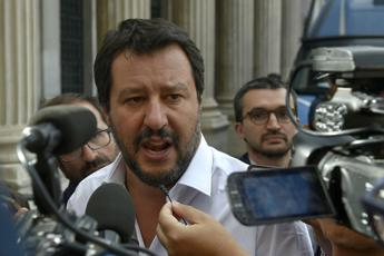 Salvini: Digitate su Google Juncker sobrio e barcollante...