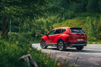 CR-V Honda, arriva la versione ibrida, più green ed efficiente