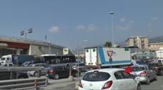 Code e caos, Genova tagliata in due