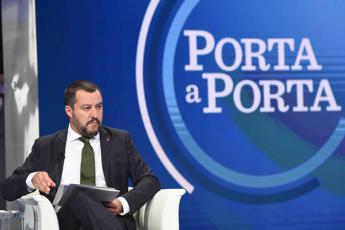 Salvini promette 'quota 100'
