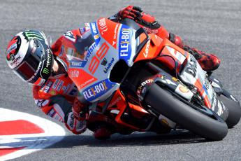 Lorenzo in pole a Misano