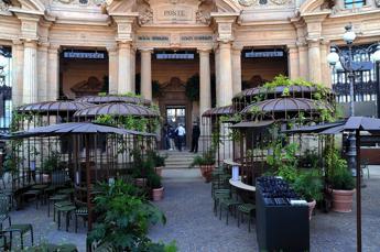 Milano, apre il primo Starbucks
