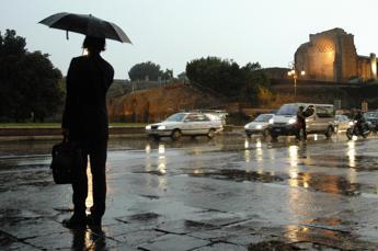 Roma aspetta il nubifragio, allerta rossa al Nord