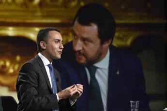 Reddito, Di Maio: Su contratto c'è firma Salvini