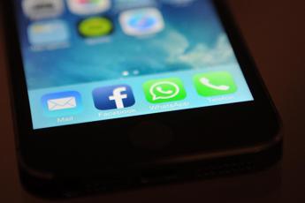 Impronta digitale su WhatsApp