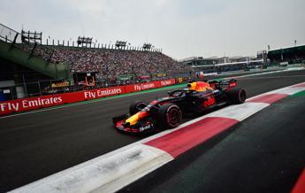 Pole per Ricciardo, Vettel parte quarto
