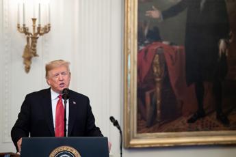 Trump: Pronto a schierare esercito contro migranti