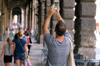 Morire per scattarsi un selfie: in 6 anni 259 vittime