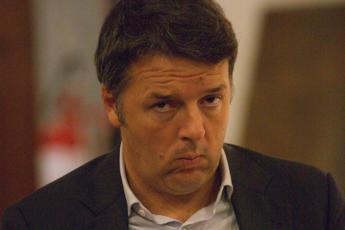 Renzi: Governo? Parla e sfascia l'Italia