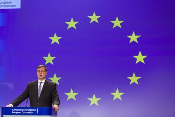 Ue, Dombrovskis: Non torneremo alla normalità, l'economia cambierà