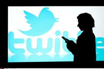 Twitter cancella 10mila account fake