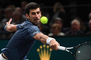 Djokovic batte Federer e va in finale