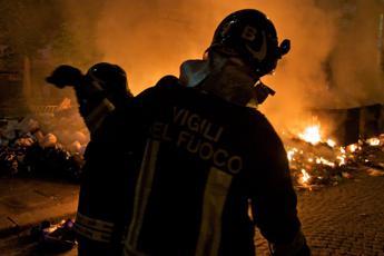 Rifiuti in fiamme a Torre del Greco La mappa degli inceneritori