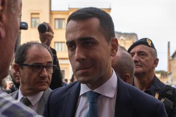 Di Maio a Taranto, mamma bimbo morto non gli stringe la mano
