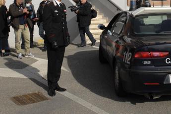 Fiuggi, prende in ostaggio 20 studenti: arrestato 28enne
