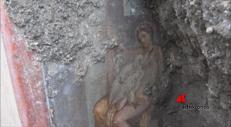 Pompei, ritrovato affresco di Leda e il cigno