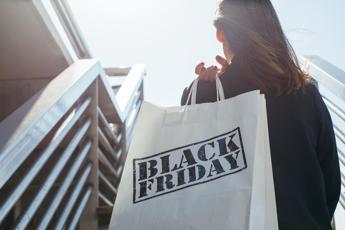 Il Black Friday diventa green. Parola d'ordine: donare