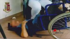Torturati a testa in giù nella clinica degli orrori