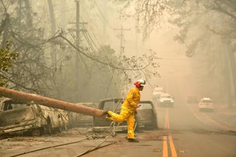 California in fiamme, i morti sono 25