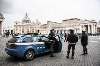 Somalo fermato a Bari, in chat foto del Vaticano