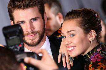 Miley Cyrus sposa Liam Hemsworth