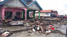 Indonesia, la distruzione dopo lo tsunami