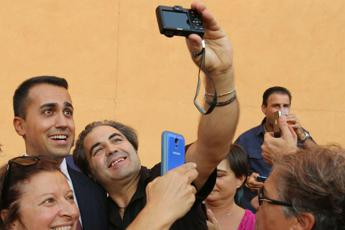 Di Maio atteso a party M5S in disco, ma 'no foto su social'