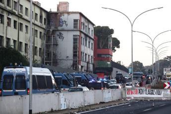 Roma, sgomberata l'ex Penicillina