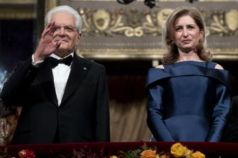Attila alla Scala, quattordici minuti di applausi Ovazione per Mattarella